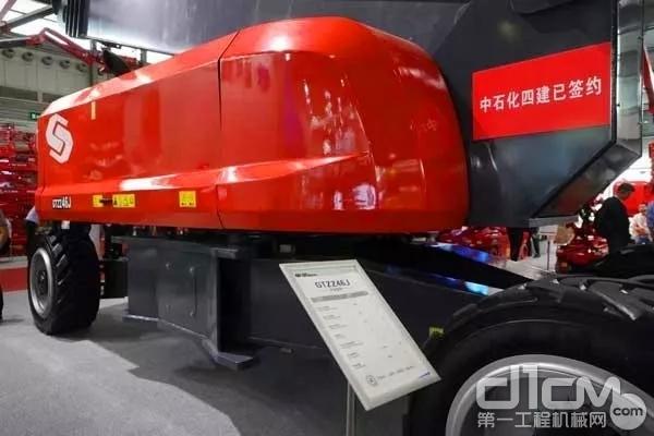 星邦重工发布的46米曲臂车,采用康明斯QSF3.8发动机
