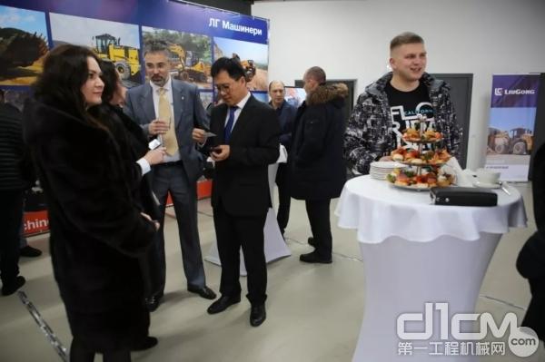 柳工在俄罗斯奥伦堡经销商网点盛大开业