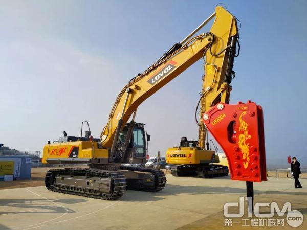 雷沃FR560E2-HD挖掘机标配钎杆直径200mm破碎锤
