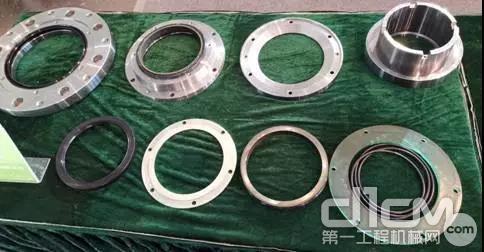 轴端装置采用行业首创快拆式结构