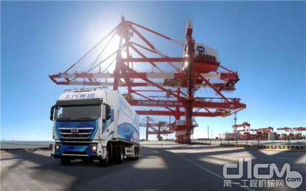 5G智能重卡助力港口运输