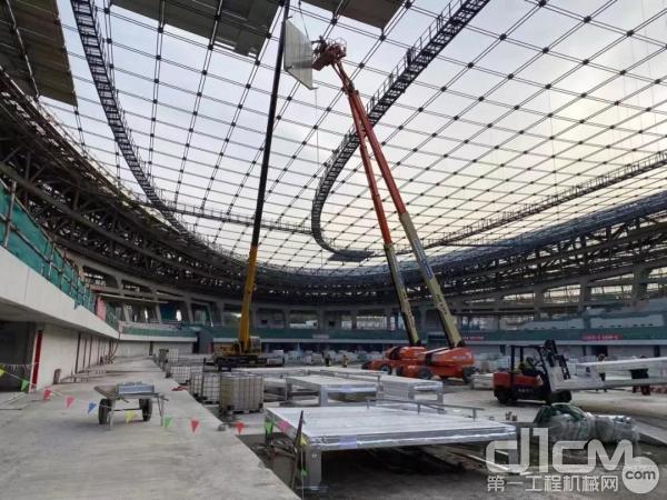 众能联合高空作业平台参与冬奥速滑馆建设