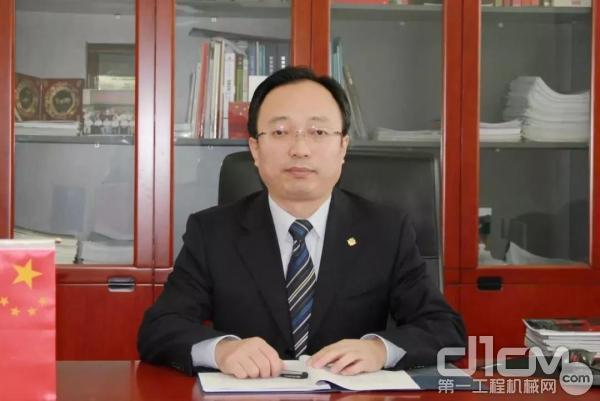 西筑企业党委书记、董事长杨向阳