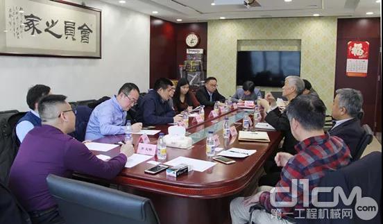 山东临工总裁于孟生一行到访协会