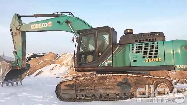 冬季挖掘机长期停放的注意事项