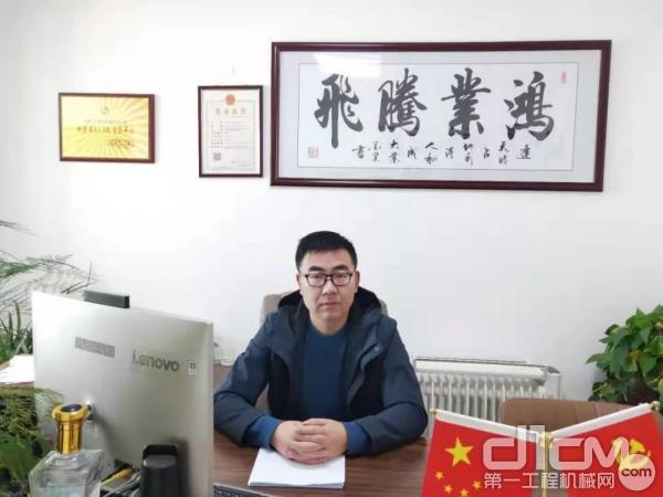 甘肃辽兴道路机械有限企业的总经理侯建平