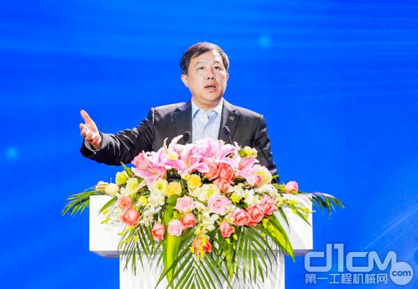 上汽集团副总裁、上汽红岩董事长蓝青松现场做重要指示