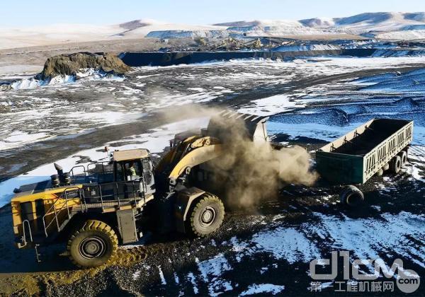 康明斯QSK19大马力发动机助力柳工蒙古铁矿作业