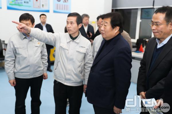 考察滨州渤海活塞企业
