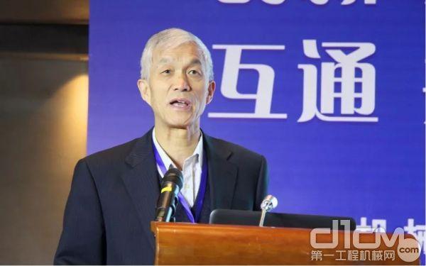 中国365bet体育工业协会会长祁俊做行业形势发展报告