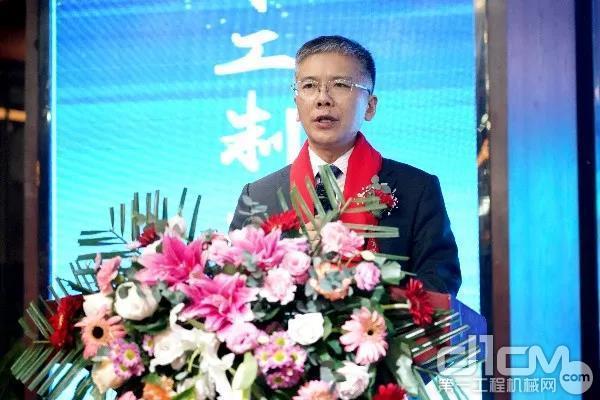 徐工随车党委书记、总经理孙小军作重要讲话