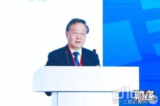中国工业经济联合会会长、工业和信息化部原部长李毅中