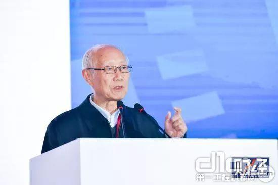 中国机械工业联合会专家委员会名誉主任朱森第