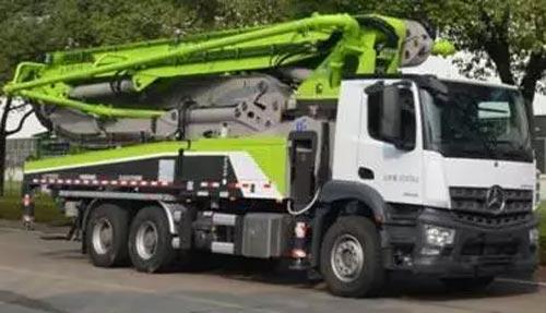 ▲新一代奔驰底盘AROCS系列泵车3桥49米