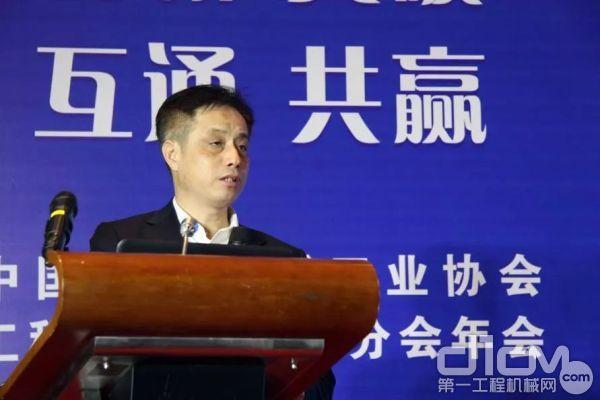 江苏恒立液压股份有限企业董事长汪立平作主题演讲
