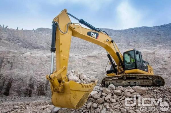 挖掘机冬季注意事项