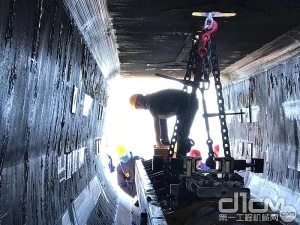 徐工XCA1600全地面起重机吊装作业