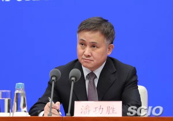 中国人民银行副行长、国家外汇管理局局长潘功胜(刘健 摄)
