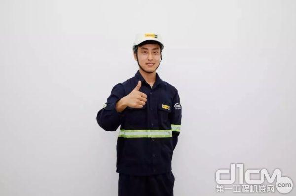 江西信昌维修服务工程师王强