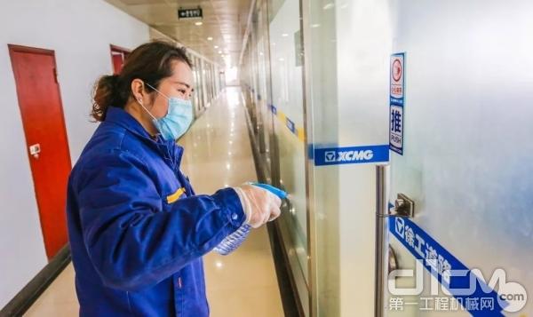 办公室、公共区域加强消毒