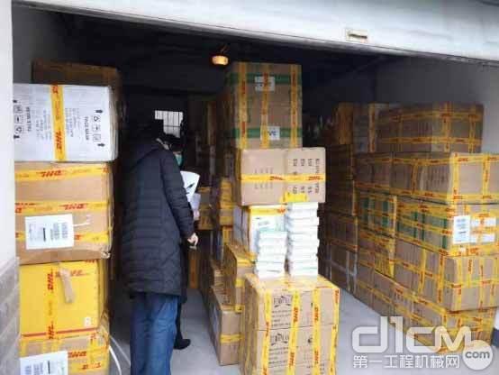 △中联重科给客户寄送医疗防护物资,助力客户复工复产