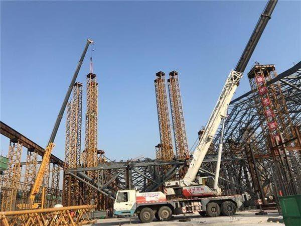 中铁建设星火站二区钢结构屋盖支撑体系提升架吊装