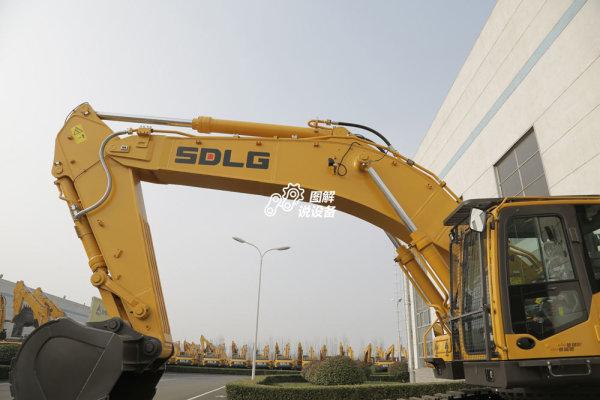 临工E6500F挖掘机采用适合超重工况的XD动臂和XD斗杆。