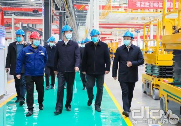 徐州市长庄兆林等一行到徐工消防调研疫情防控和企业复工工作