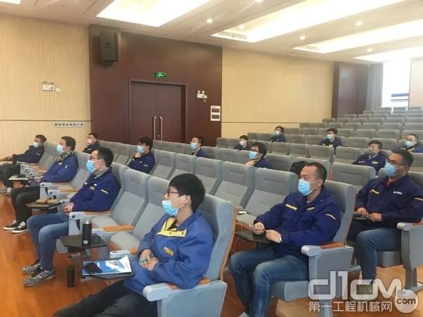 徐工组织海外服务工程师业务培训,提升专业技能水平!
