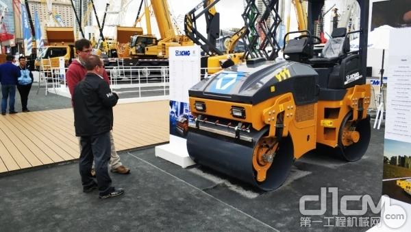 徐工 XMR403S轻型压路机
