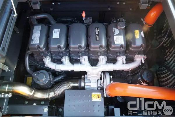 斗山DX490LC-9C发动机实拍图