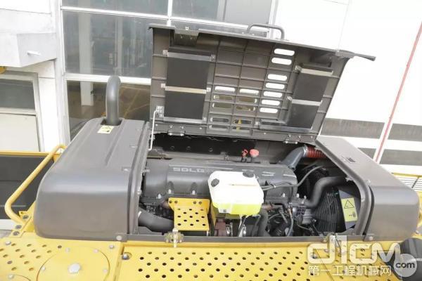 山东临工E6500F发动机实拍图