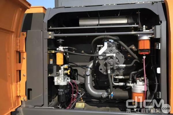 凯斯CXC490LC-8主泵室