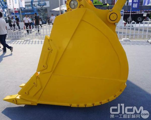 标配2.5m³铲斗