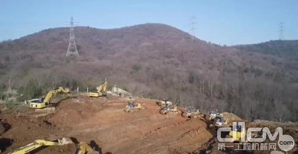 山推推土机施工现场