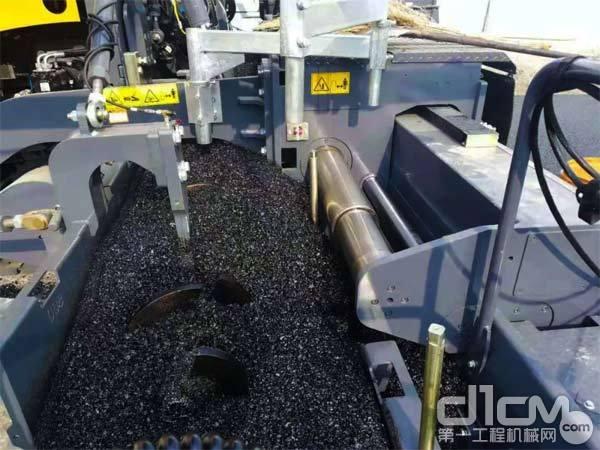 徐工RP903增强型熨平板摊铺机