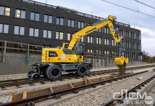 利勃海尔铁路挖掘机
