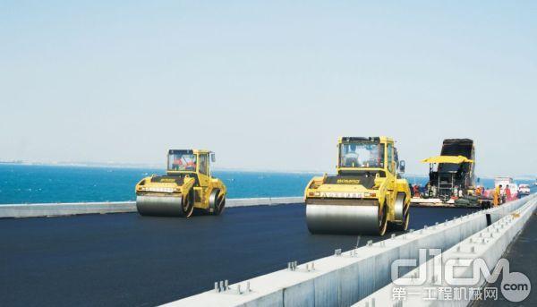 高速公路沥青路面施工,压路机操作要点
