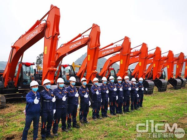 日立建机(上海)有限公司向广西旱改水项目交付30台ZX200-5A挖掘机