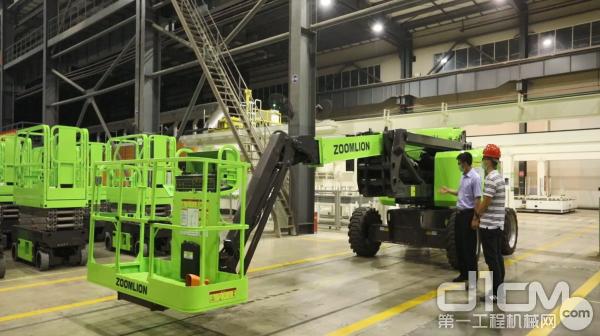 中联重科曲臂产品研发项目经理段建辉发布ZA18J