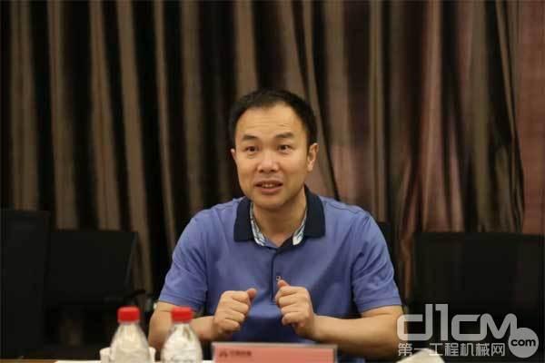中建西部建设贵州企业党委书记、董事长王爱武讲话