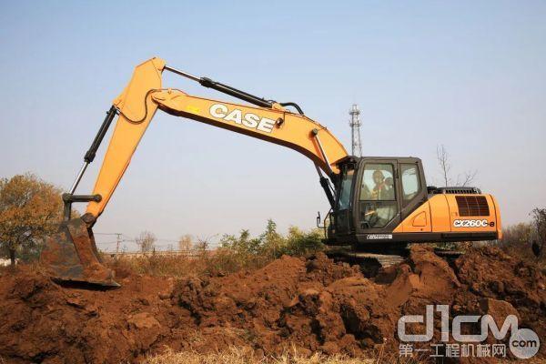 凯斯CX260C-8挖掘机