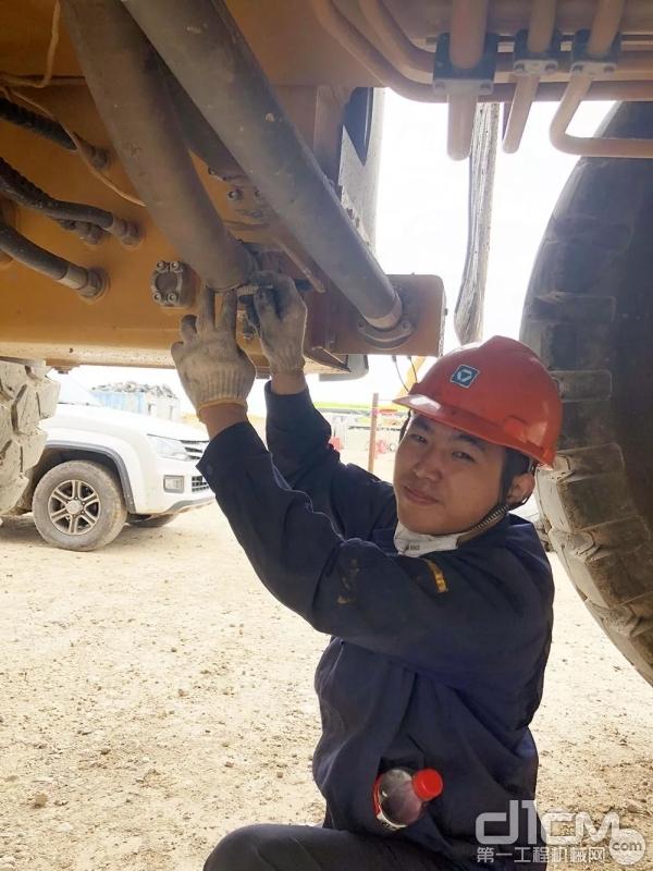 徐工矿机驻矿服务工程师服务现场