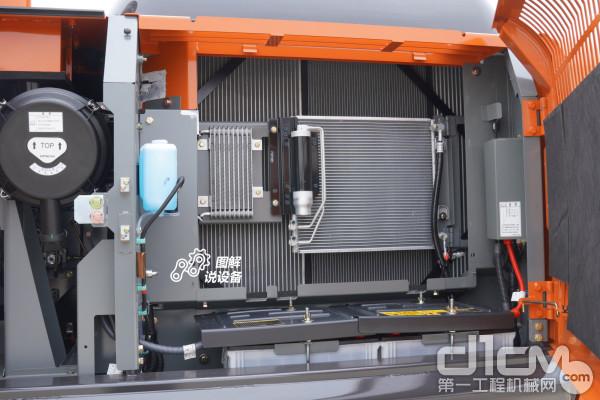液压油冷却器、散热器、中冷器并列设置