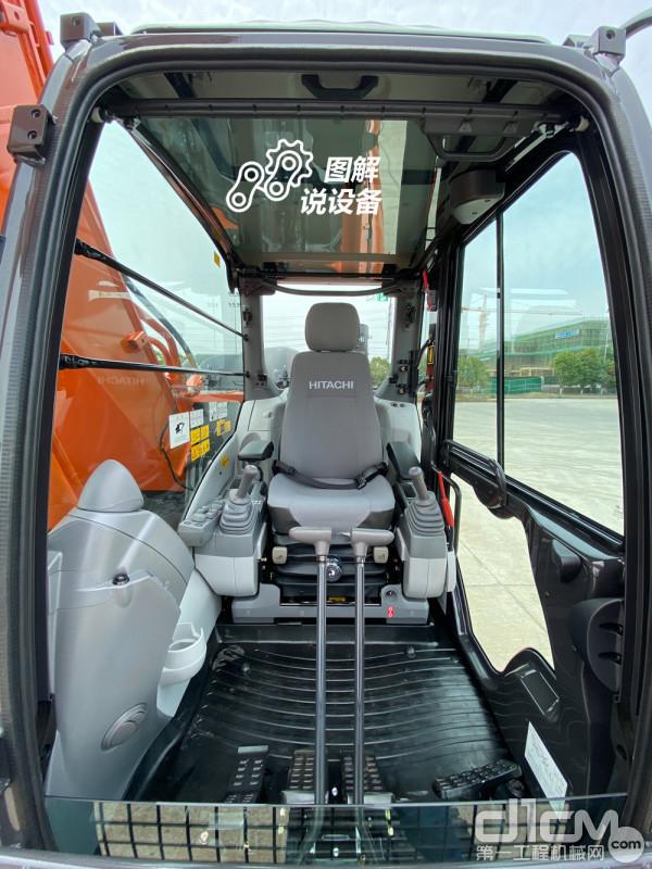 ZX210K-5A驾驶室提供了宽裕的操作空间和多处人性化设计