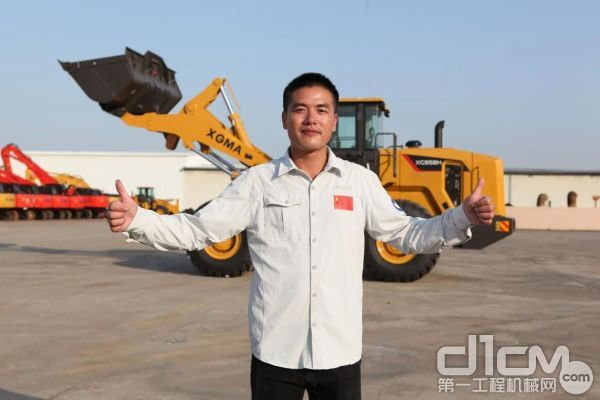 中国第35次和第36次南极科考队员、厦工机械师曾应根