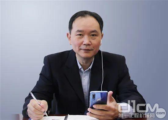 协会副秘书长、副主编王金星汇报标准进展情况