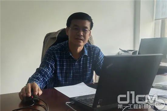 协会装修与高空作业机械分会秘书长、主编王平先容教材编写计划