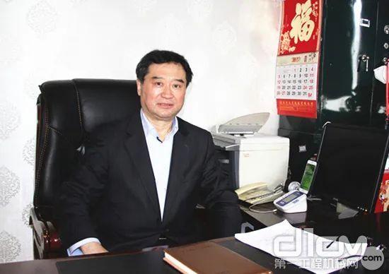 协会常务副会长兼秘书长、编委会副主任苏子孟总结讲话