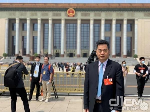 全国人大代表、华菱星马汽车集团董事长刘汉如刘汉如